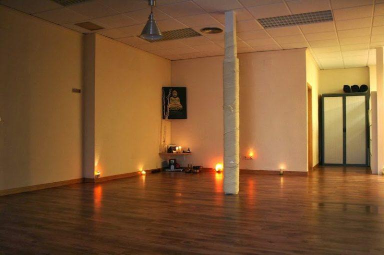 383942769 05229855SAT NAM YOGA ALICANTE   Escuela Especializada en Yoga Meditacion y Terapias Naturales 1 768x511